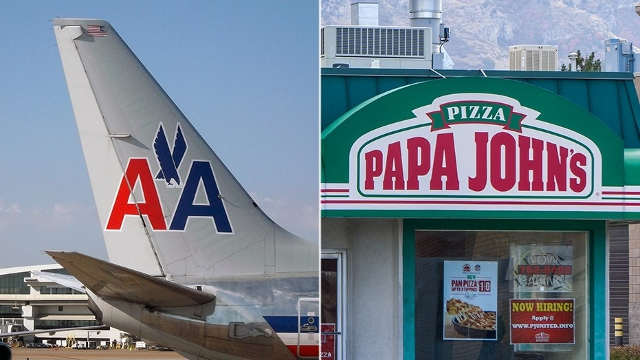 American Airlines Pilot Buys Papa John S Pizza For 159