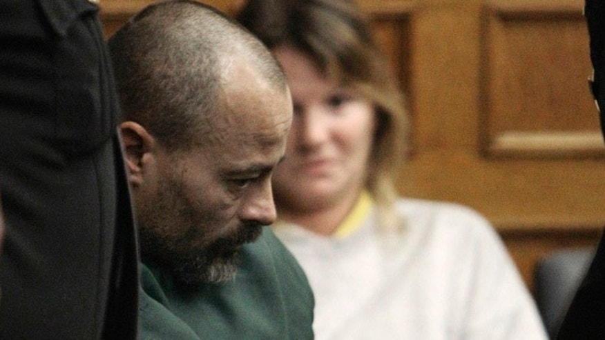 In this Dec. 1, 2010 file photo, John Skelton appears at his extradition hearing in Lucas County Court in Toledo, Ohio.