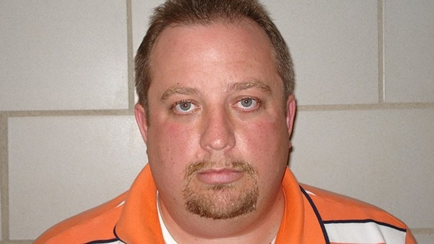 In this undated photo released by the U.S. Marshals Service, Steven Demink, 41, of Redford Township, Mich., is shown.