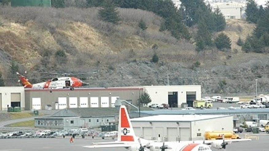 May 21, 2010: Members of Coast Guard Air Station Kodiak host a tour of 45 Northstar Elementary students.