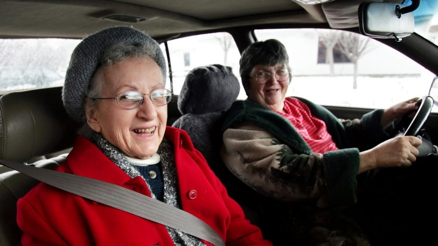 Margaret Emmons, left, gets a ride to a doctor's appointment from driver Mary Lou Zahn, Monday, Jan. 9, 2006, in Portland, Maine. Emmons traded in her car to the Independent Transportation Network in exchange for rides. (AP Photo/Robert F. Bukaty)