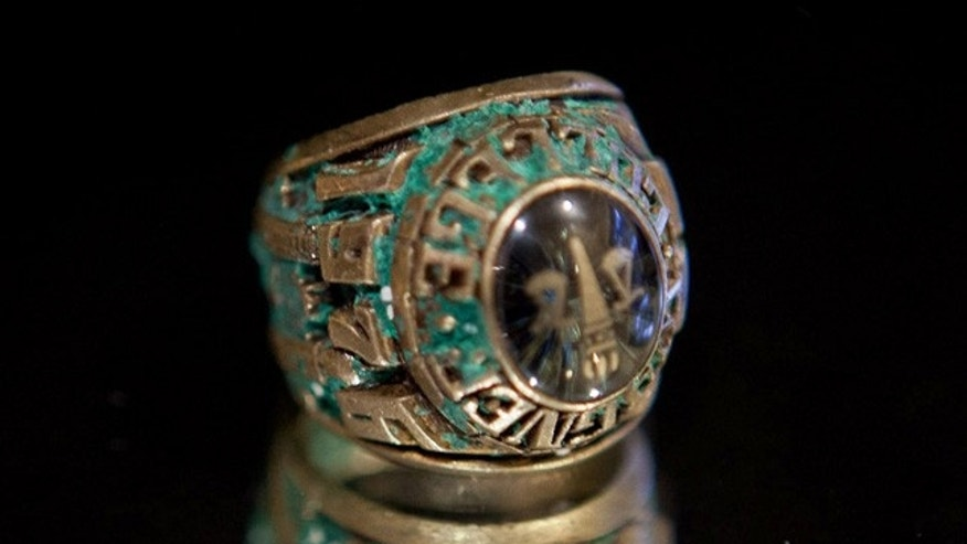Robert De Vincenzi's 1976 Wagner College class ring, found by a Missouri couple honeymooning in the Bahamas. De Vincenzi said he lost the ring in the water off the Bahamas 35 years ago.