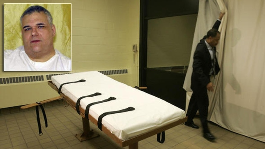 The death chamber and witness room at Southern Ohio Corrections Facility in Lucasville, Ohio, is seen in this 2005 file photo, with death row inmate Ronald Post, inset.