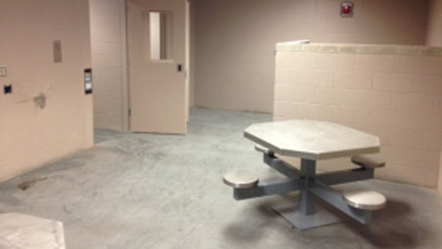 The Shelby Police Department is asking for volunteers to help break in its new jail.