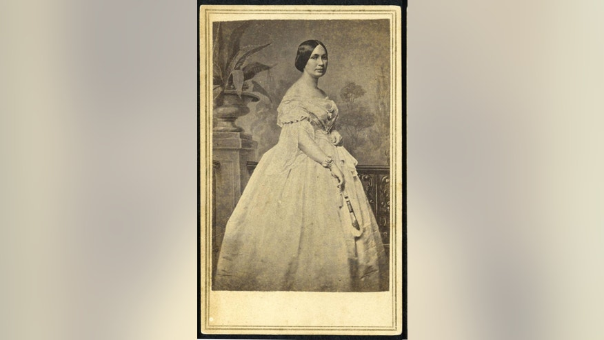 Varina Banks Howell Davis is seen in an 1860 photo provided by the American Civil War Museum. A photo has emerged of a key figure in the household of Confederate President Jefferson Davis.  Mary O'Melia served as housekeeper for Davis and his first lady, Varina Davis in the White House of the Confederacy in Richmond, Va., during the Civil War. O'Melia was a confidante of the first lady. An intimate witness to history, she also has been much of a mystery.  (AP Photo/The American Civil War Museum)    (AP Photo/American Civil War Museum) Wife of Confederate President Jefferson Davis. Loc: CS23-2, Box 7