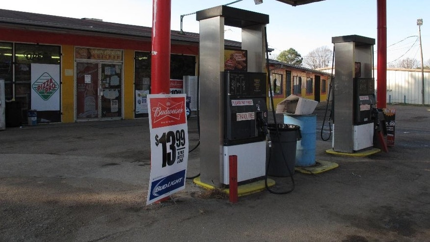 A gas station and convenience store where, according to surveillance video, Jessica Chambers visited before she was found severely burned along the side of a Mississippi road is pictured on Wednesday, Dec. 10, 2014, in Courtland, Miss. Chambers, 19, died Saturday after she was taken to a Memphis hospital with severe burns. Authorities are working to piece together the last hours of her life in efforts to catch who killed her. (AP Photo/Adrian Sainz)