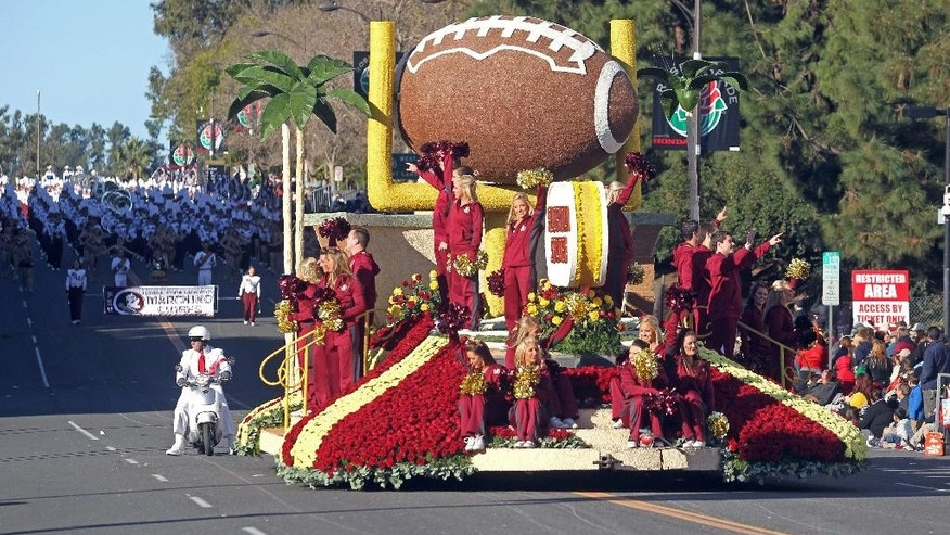 The Florida State float moves down Colorado Boulevard during the 126th Rose Parade in Pasadena, Calif., Thursday, Jan. 1, 2015. Florida State faced Oregon later Thursday in the Rose Bowl. (AP Photo/Ringo H.W. Chiu)