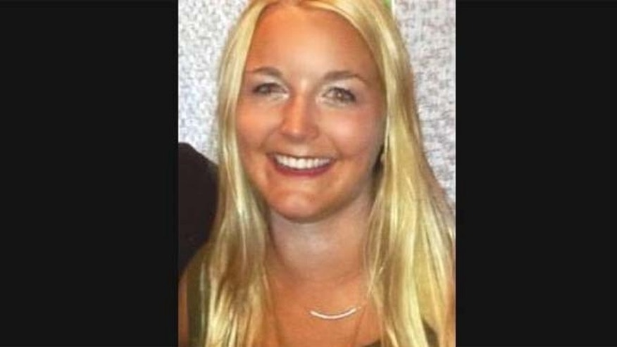 The Minneapolis Police Department is seeking the public's help in locating missing University of Minnesota student Jennifer Houle, 22.
