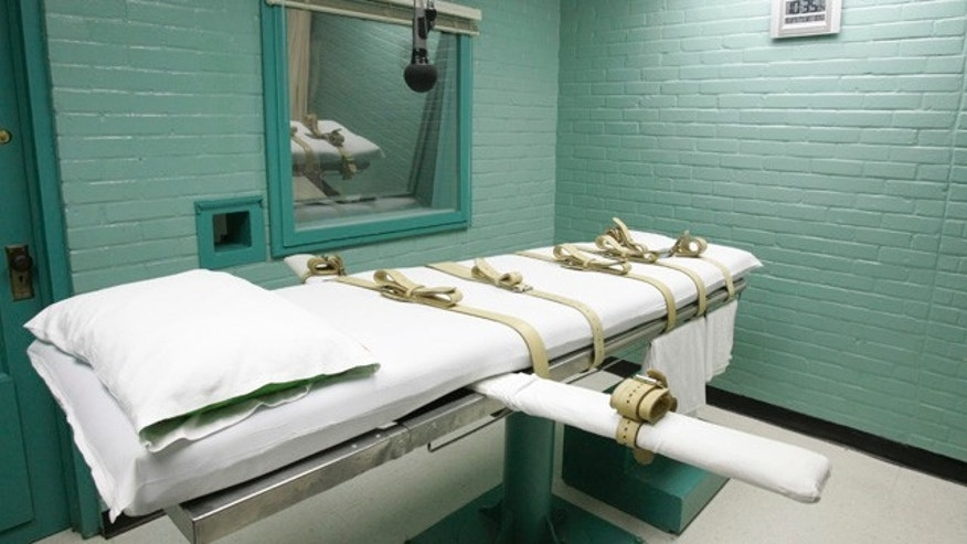 FILE - This May 27, 2008 file photo shows the State of Texas execution chamber in Huntsville, Texas. (AP Photo/Pat Sullivan, File)
