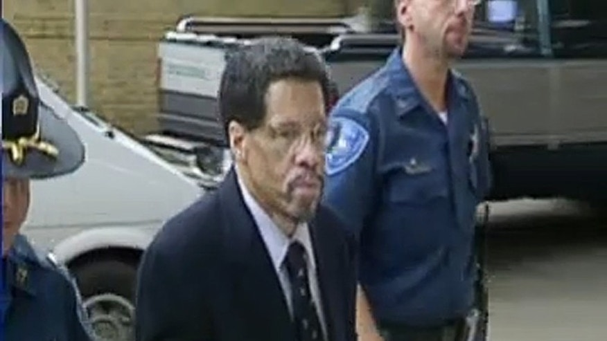 "In this Feb 12, 2015 image made from video and released by WBRZ-TV in Baton Rouge, Albert Woodfox walks into a courthouse in Louisiana. A federal appeals court on Tuesday temporarily blocked the release of Woodfox, the last of the ""Angola Three"" inmates who spent decades in isolation after forming a Black Panther Party to protest prison conditions. Tuesday's order came a day after a federal judge ruled that the state can't fairly try Woodfox, now 68, a third time for the death of a prison guard 43 years ago. (WBRZ-TV via AP)"