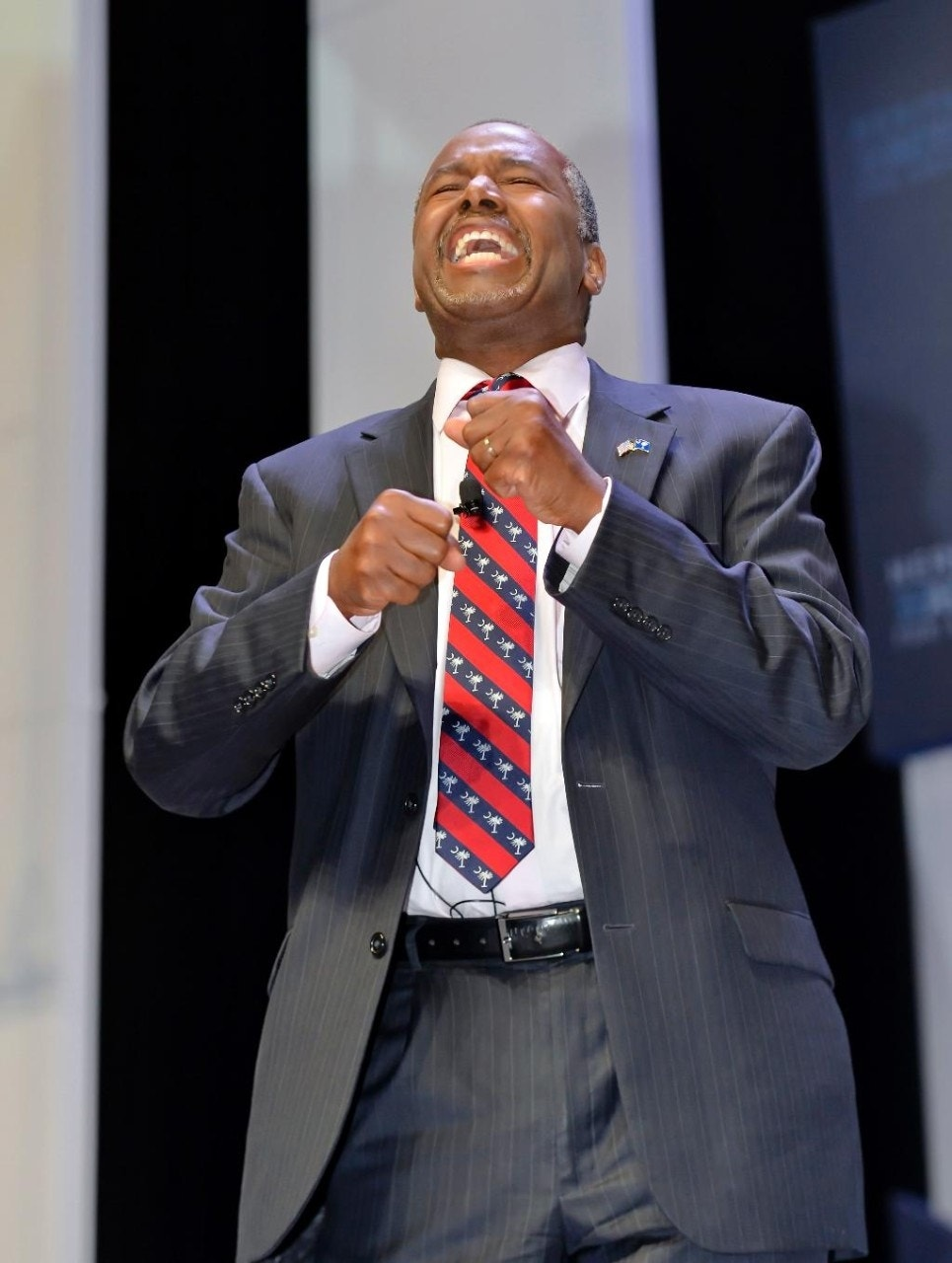 GOP candidate Carson: Islam inconsistent with Constitution; a Muslim shouldn't be president