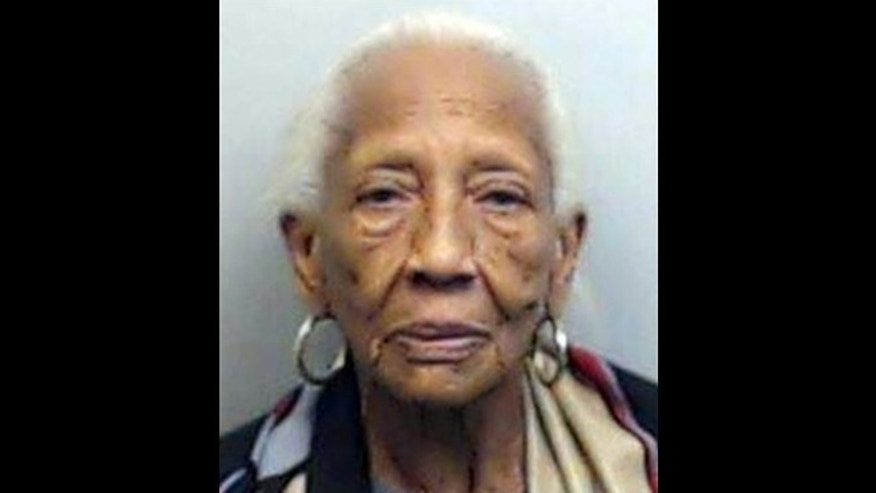 This booking photo released by the Fulton County Sheriff's Office shows Doris Payne, 85, an internationally known jewel thief, who was arrested Friday, Oct. 23, 2015. (Fulton County Sheriff's Office via AP)