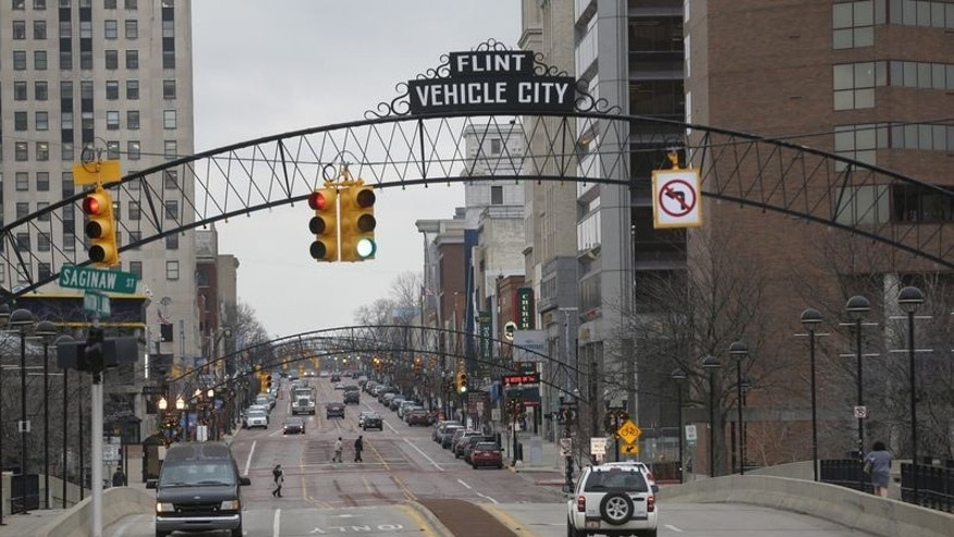Downtown Flint is seen in Flint, Michigan, December 16, 2015.     REUTERS/Rebecca Cook