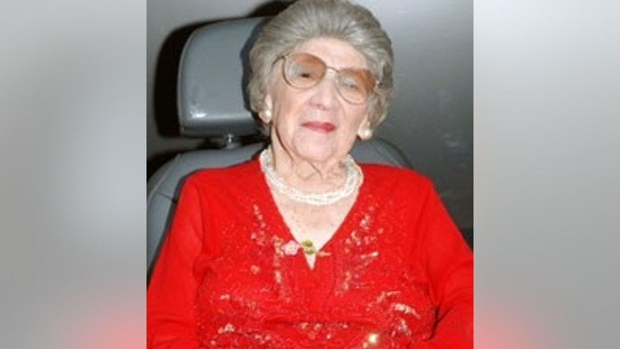 Alyce Dixon served in Europe during World War II.