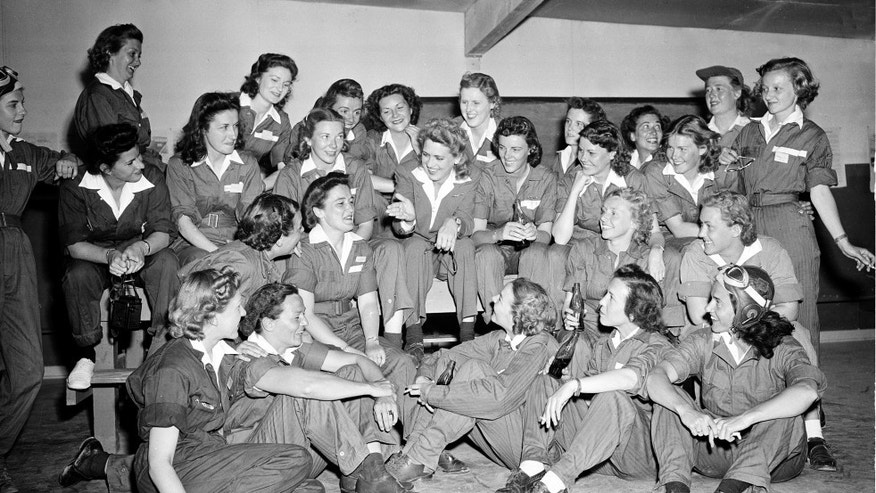 U.S. women pilots in 1943.