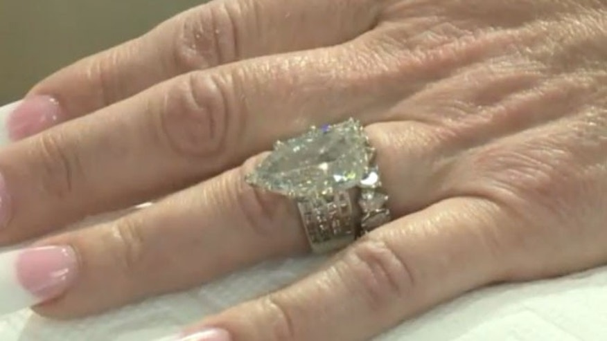 The ring that Carla Squitieri searched through garbage to find.