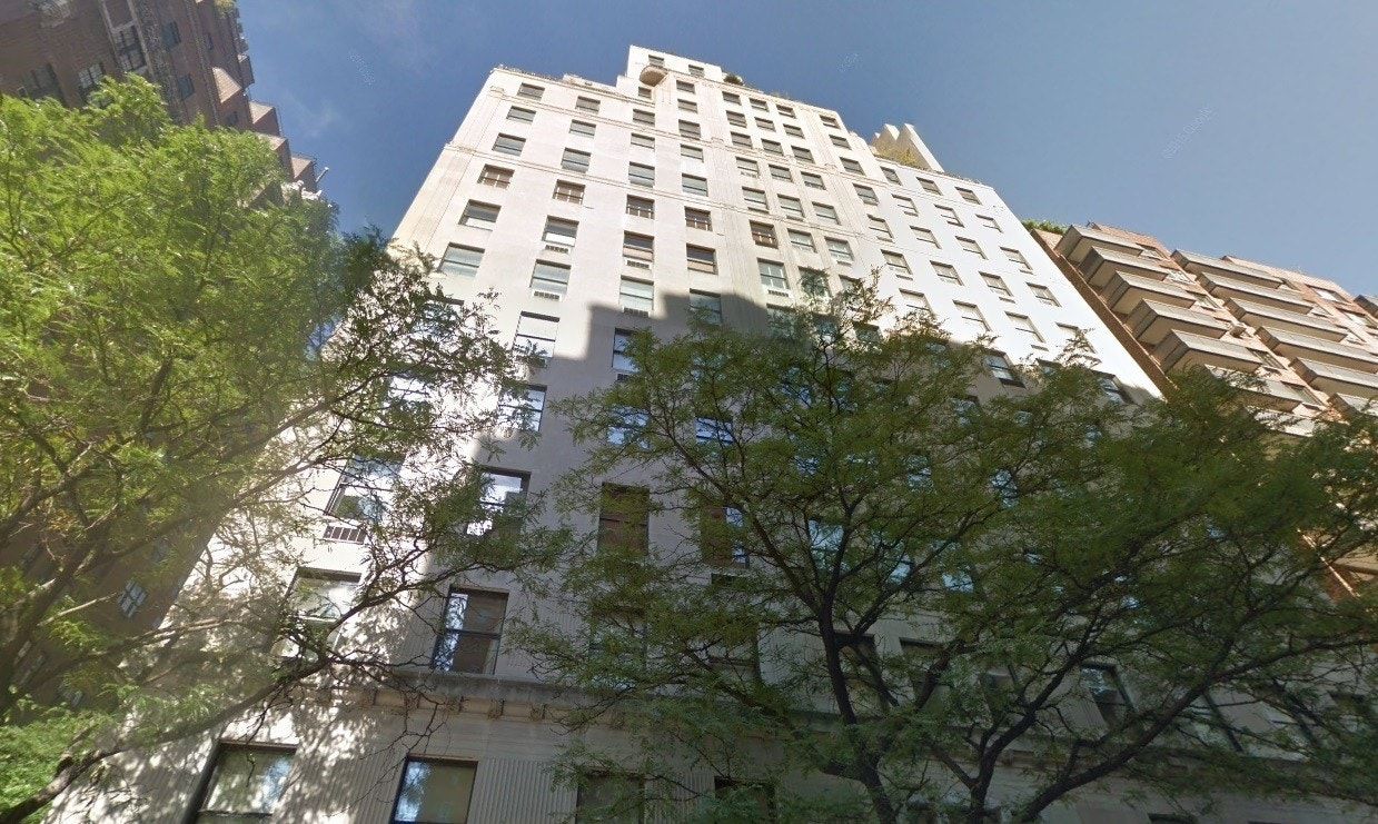Fire at nyc apartment building home to wealthy power for Richest apartments in nyc