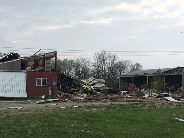 Tornado lifts barn damages homes in indiana fox news for Barn house indiana