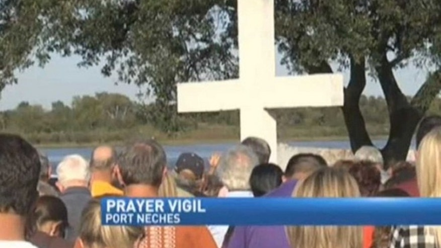 Residents of Port Neches rallied when an atheist group demanded removal of a cement cross, but the city seems to have found a way to keep it. (Fox4Beaumont.com)