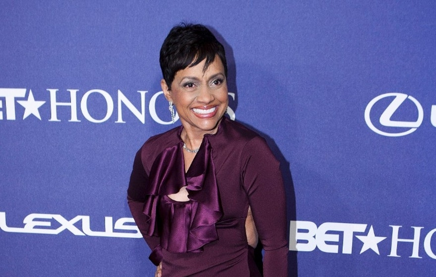 Judge Glenda Hatchett, the star of of the television show Judge Hatchett, arrives at the BET Honors in Washington January 14, 2012.      REUTERS/Joshua Roberts  (UNITED STATES - Tags: ENTERTAINMENT) - RTR2WAZ0