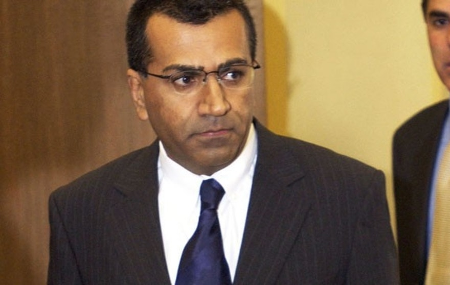 FILE: Martin Bashir on the second day of Michael Jackson's child molestation trial in Santa Maria.