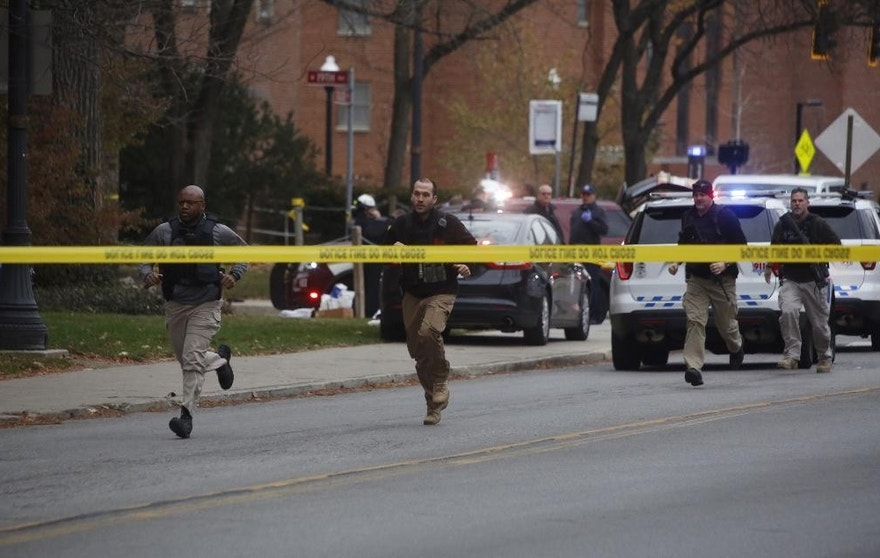 Police respond to reports of an active shooter on campus at Ohio State University on Monday, Nov. 28, 2016, in Columbus, Ohio. (Tom Dodge/The Columbus Dispatch via AP)