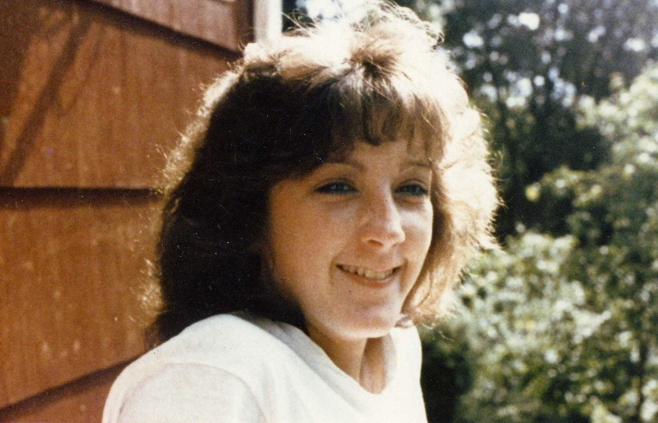 Joyce Stochmal WATERBURY, Conn. – Joyce Stochmal was a 19-year-old college  graduate and aspiring veterinarian when she was stabbed to death in August  1984 ...