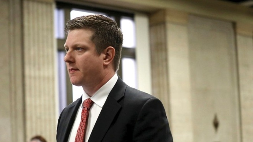 Chicago cop accused of shooting Laquan McDonald faces 16 new counts