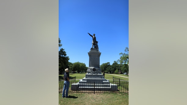 Jefferson Davis statue, one of three remaining confederate statues to be removed, is pictured in New Orleans Louisiana, United States April 24, 2017.  REUTERS/Ben Depp - RTS13RB8