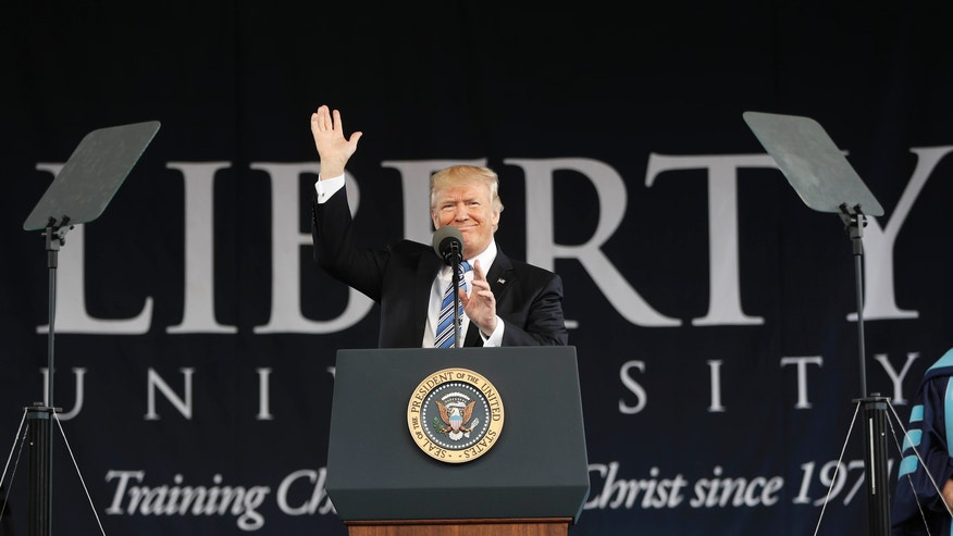 Trump urges Liberty graduates to be outsiders
