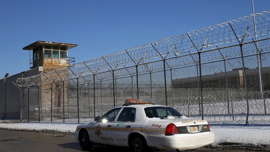 Absent workers force Chicago jail to go on lockdown
