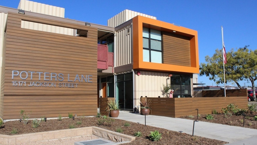 California homeless veterans move into apartment built from recycled shipping containers fox news - Container homes california ...