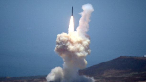 U.S. test to shoot down ballistic missile fails