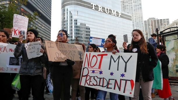 chicago protest trump tower