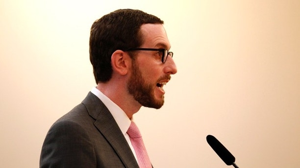 San Francisco city supervisor Scott Wiener comments on a pilot program to permit private commuter buses to use public bus stops in San Francisco, California, January 21, 2014. REUTERS/Beck Diefenbach