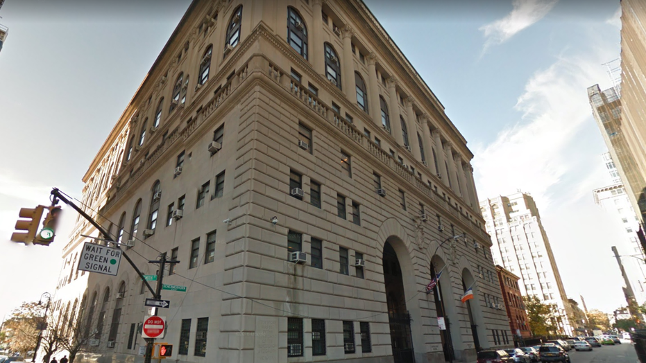 A court officer allegedly assaulted a woman at the Brooklyn Criminal Court.