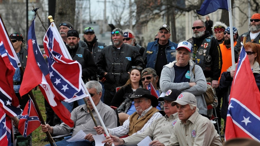 Hearing set on removal of Confederate flag from courthouse