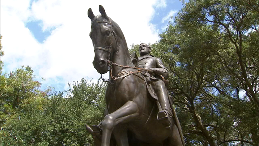 Judge rules Dallas can take down Robert E. Lee statue