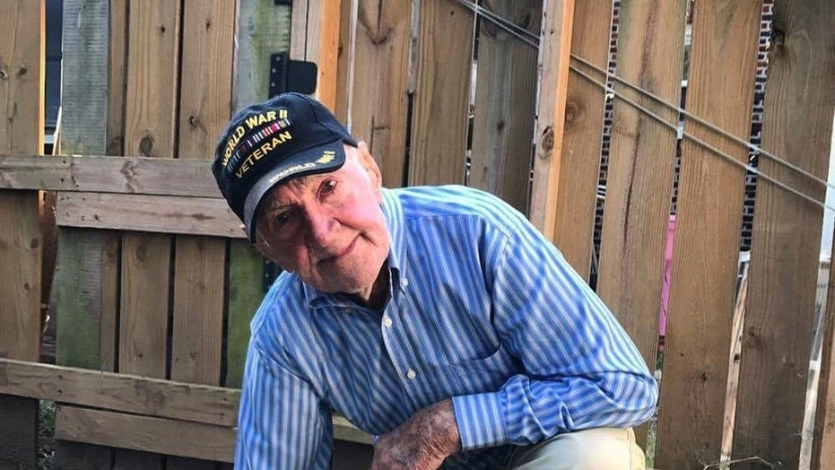WWII veteran kneels in support of National Football League anthem protests