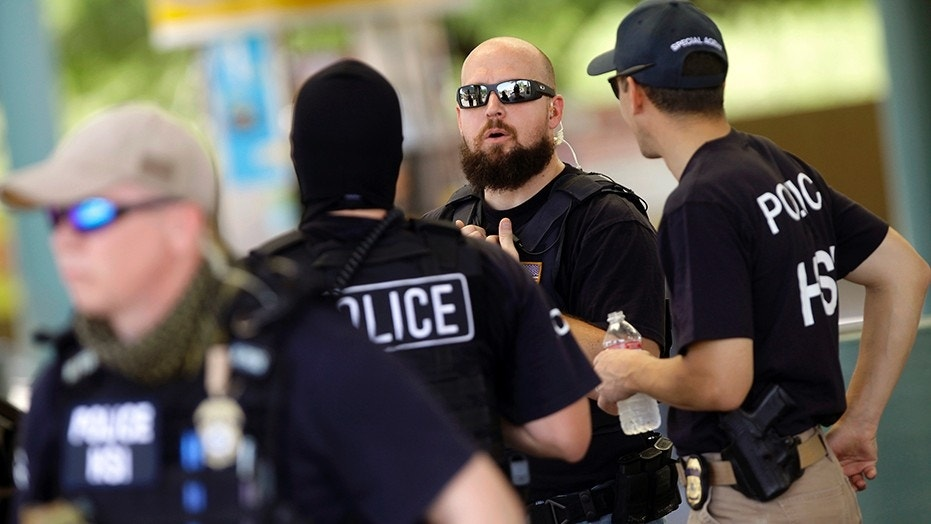 ICE Targets Sanctuary Cities, Arrests 33 In Northwest