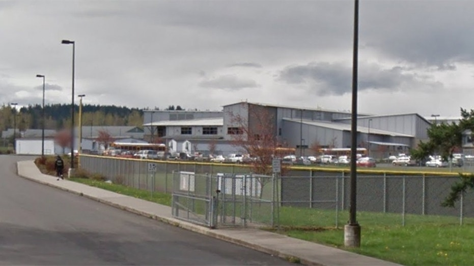 2 students shot outside Washington state high school, sheriff's office says