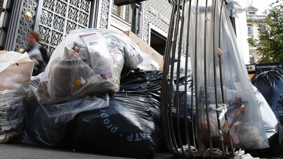 Residents are reporting piles of trash each day outside New York City's first 'green' public school. (Reuters)