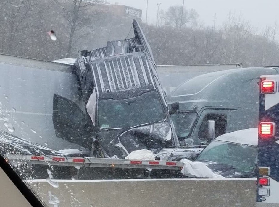 30-car and 12-car crashes on Missouri highway leave 1 dead, others ...