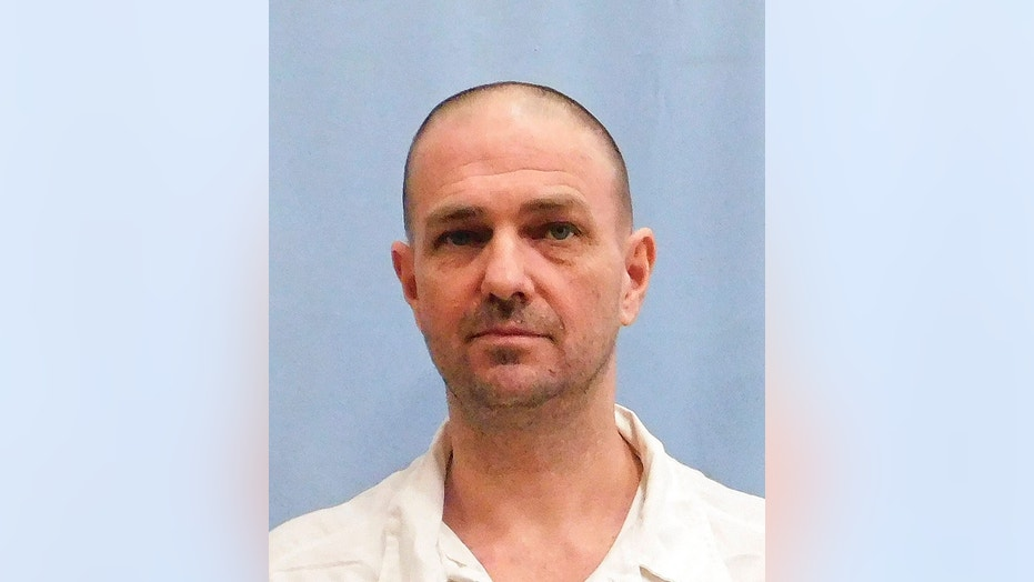 Michael Wayne Eggers died Thursday night after receiving a lethal injection at a state prison.
