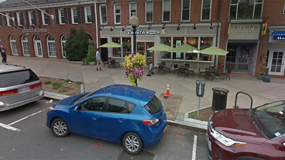 Police surround Panera Bread near Princeton University campus