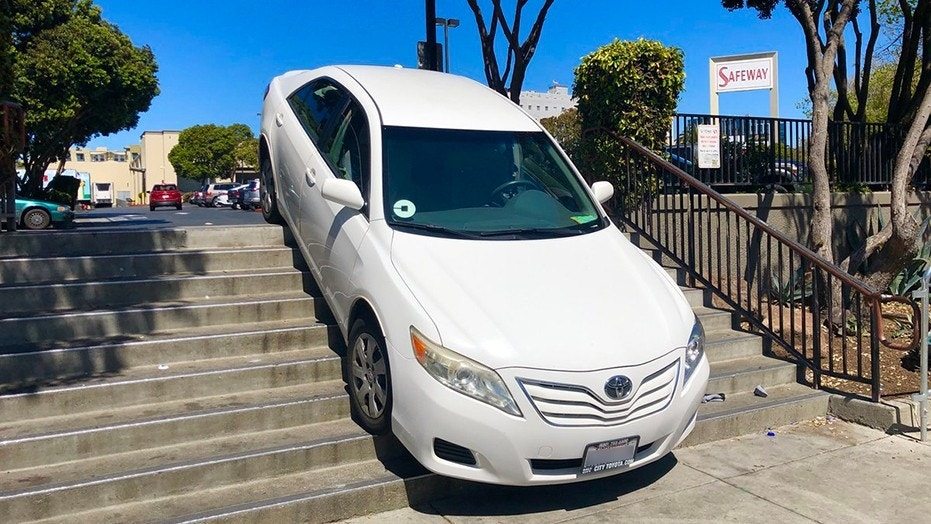 An Uber driver ended up taking the stairs on Sunday in San Francisco, after claiming the navigation system in the ride-sharing app instructed him to.