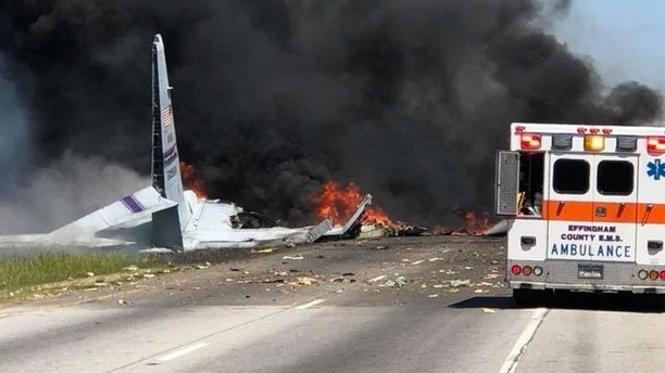 Military plane crashes near Georgia airport, FAA says – Trending Stuff