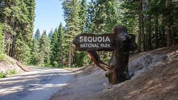 Sign at the entrance to Sequoia National Park, California, USA