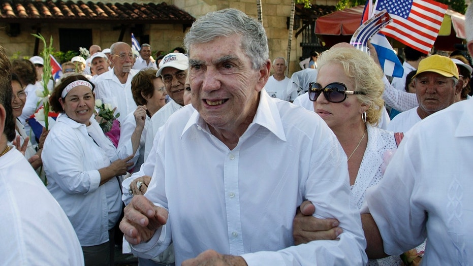 Luis Posada Carriles, long suspected of organizing a string of Havana hotel bombings in 1997 and the 1976 bombing of a Cuban jetliner that killed 73, died Wednesday.