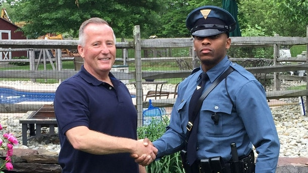 Unbelievable coincidence as New Jersey officer pulls over man who delivered him